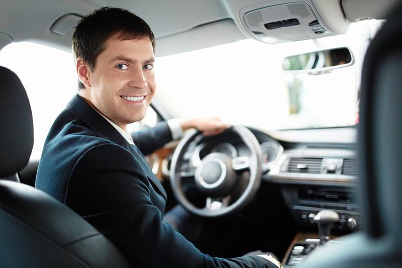 Аренда автомобиля с водителем: преимущества